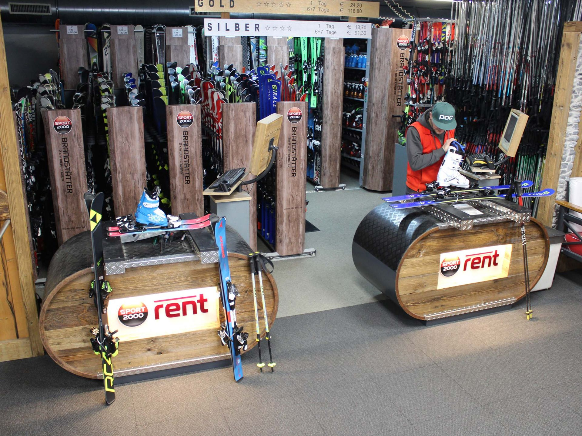 Large selection of current models - over 1,500 pairs of skis available for hire
