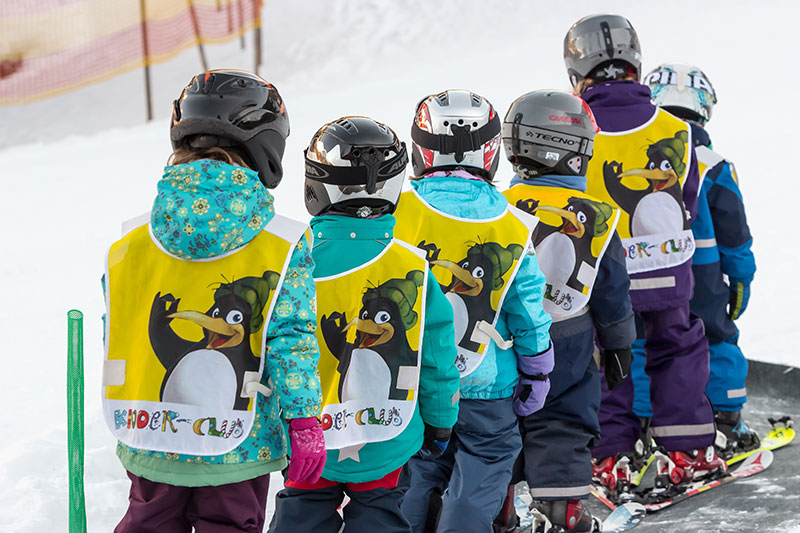 Ski courses for children from the age of 4 - Snowboard courses for children from the age of 7