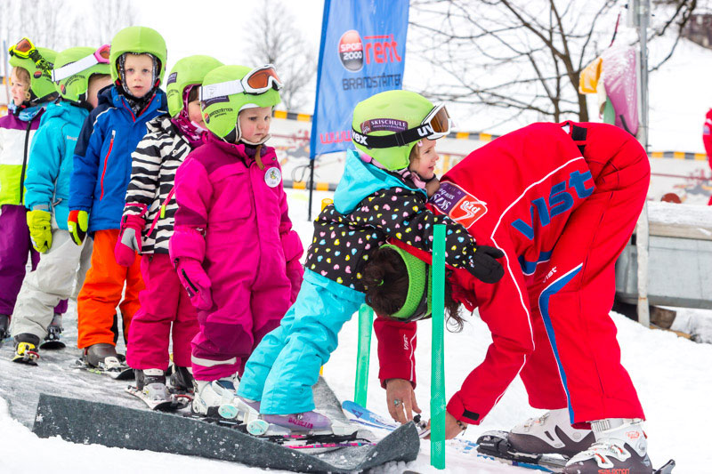 Children's ski courses – Adults' ski courses - Private lessons
